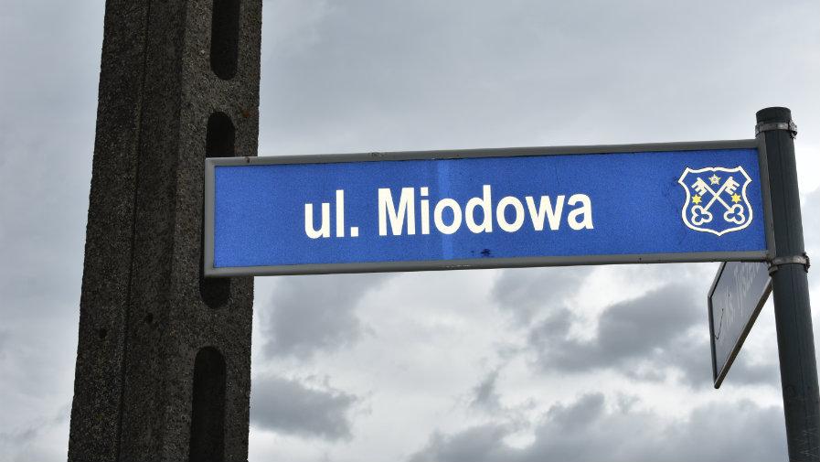 ul. Miodowa w Lutogniewie odebrana po I etapie przebudowy