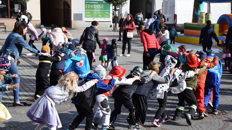 W piątek, 20 września na krotoszyńskim rynku zaroiło się od przedszkolaków.