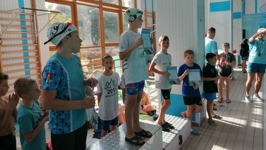 KS Krotosz na zawodach pływackich w Zielonej Górze